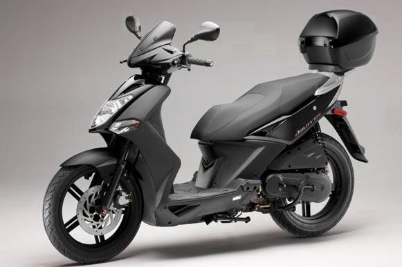 alquila una moto en aeropuerto de menorca